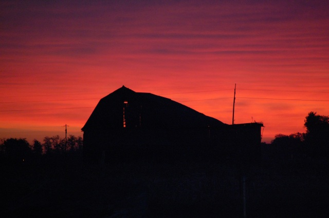 Barn_sunrise